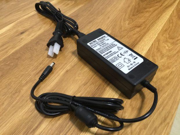 HUION GT-220電源ケーブル