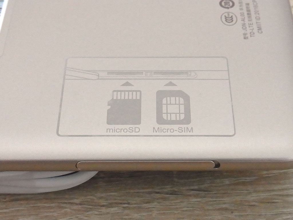 Honor Pad2 SIMカード